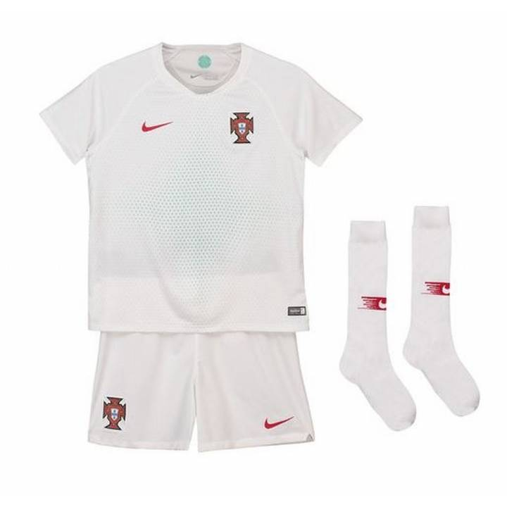 Nike Portugal Away Kit 2018/19 - Little Kids Image